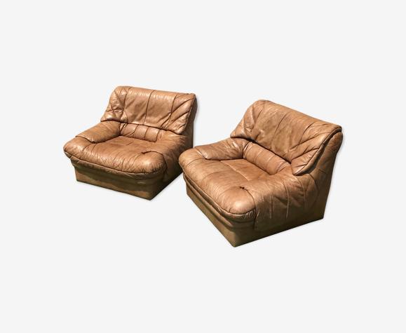 Paire de fauteuils vintage en cuir camel