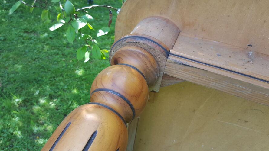 Table campagnarde pieds cannelés et tournés