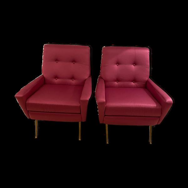 Paire de fauteuils du milieu du siècle en couleur fuchsia