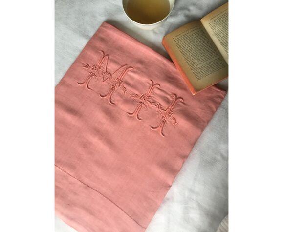 Drap ancien en pur lin lavé teinté en corail