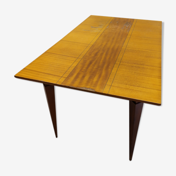 Table design scandinave pieds compas