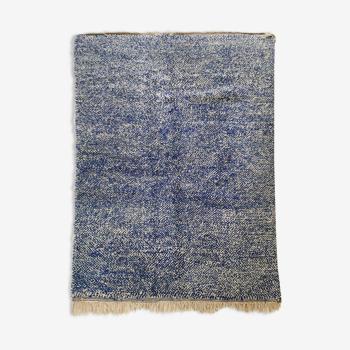 Tapis berbère marocain Beni Ouarain écru et bleu moucheté 262x166cm