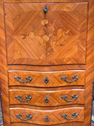 Ancien secrétaire français en bronze et marqueterie de bois.