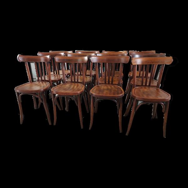 Suite de 12 chaises de bistrot Baumann années 1940