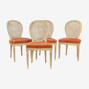 Suite de 4 chaises de style Louis XVI