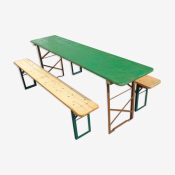 Ensemble table et bancs pliants
