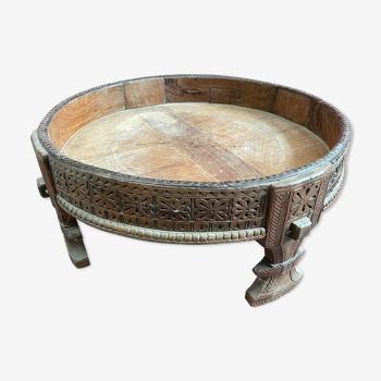 Inde Rajasthan, table basse 19éme en teck, servait de réceptacle pour meule à grains, Chakki.