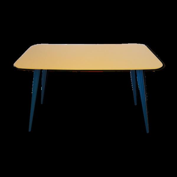 Table basse avec pieds compas