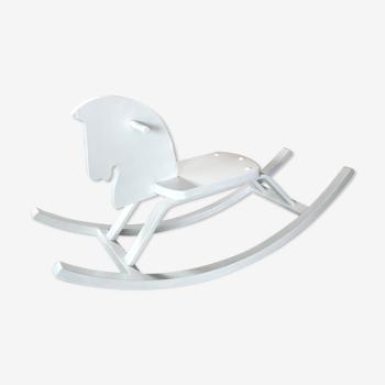 Cheval à bascule en bois blanc