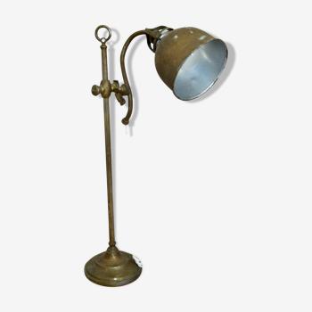 Lampe de bureau en tôle