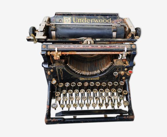 Machine à écrire Underwood 1900