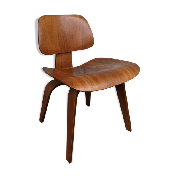Chaise DCW Dining Chair Wood en noyer, Charles & Ray Eames pour Herman Miller, 1950