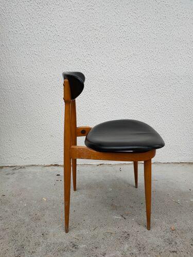 """4 chaises modèle """"licorne"""" de chez Baumann"""