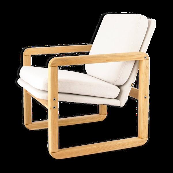 Fauteuil vintage, minimalisme, style scandinave, forme pure