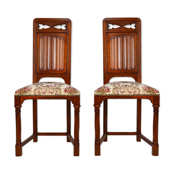 Selency Paire de chaises néo-gothique en noyer sculpté vers 1890