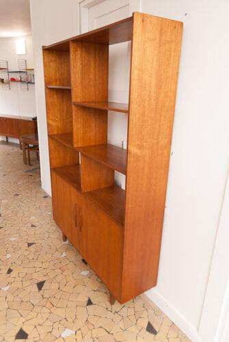 Bibliothèque scandinave ajourée