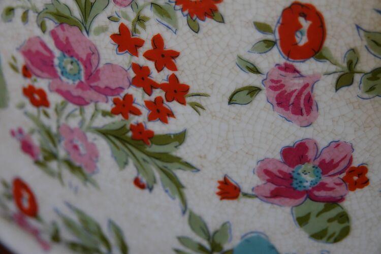 Rafraichissoir ancien en faience motif de fleurs