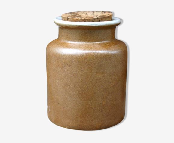 Old pot in two-tone sandstone