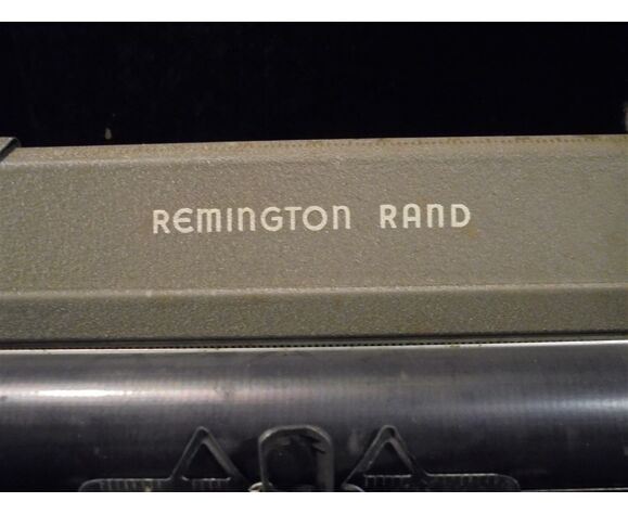 Machine à écrire Remington Rand