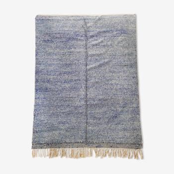 Tapis berbère marocain Beni Ouarain écru et bleu moucheté 305x205cm