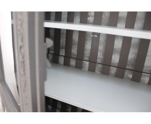 Armoire vitrée relookée