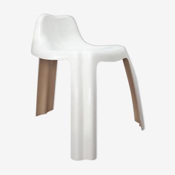Chaise en fibre design Ginger par Patrick gingembre années 70