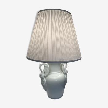 Ancien vase lampe à anse de cygne faïence blanche XXème