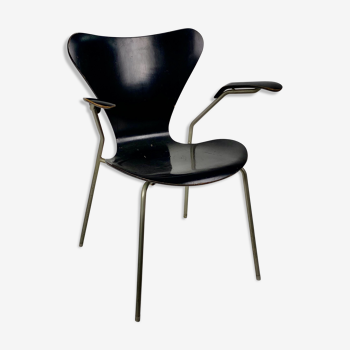Arn Jocobsen black lacquered wooden armrest chair in the year 50