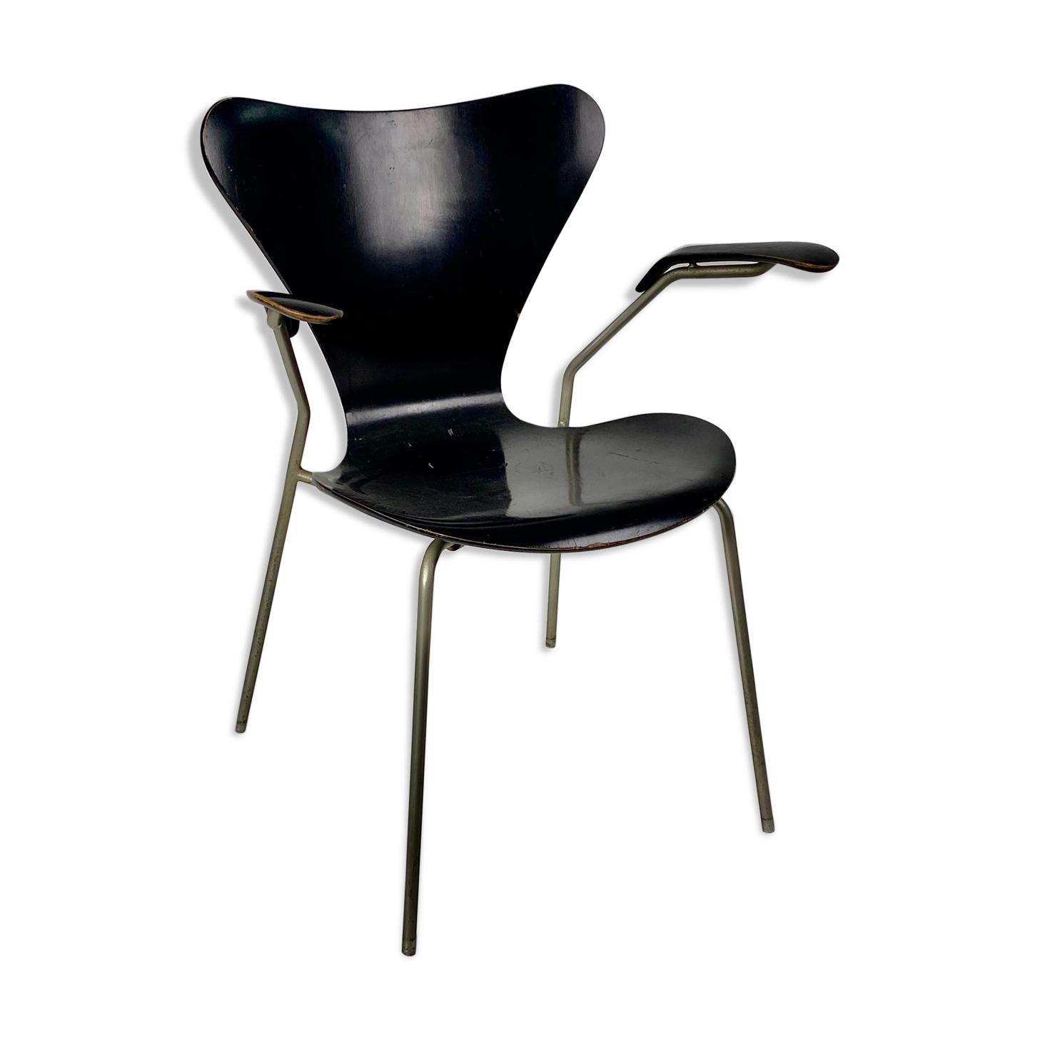 Fauteuil en bois laqué noir d'Arne Jacobsen année 50
