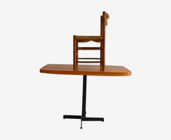 Table de Charlotte Perriand Les Arcs 1800 et sa chaise