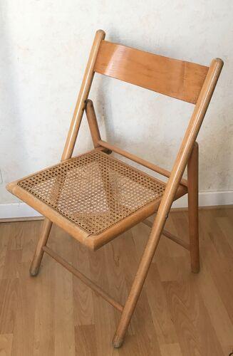 Chaise pliante cannée
