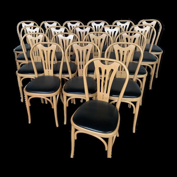 Serie de 24 chaises bistrot