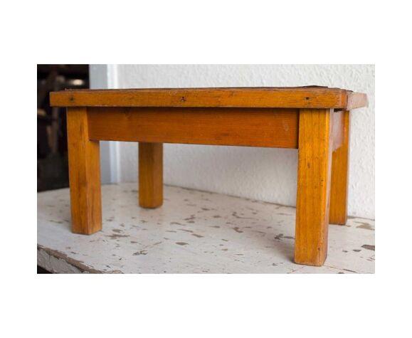 Tabouret bas en bois