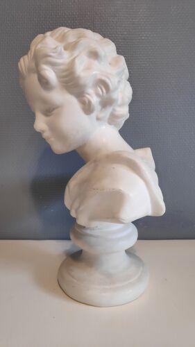 Buste de jeune garçon en plâtre