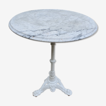 Round bistro table with cast iron foot 1900