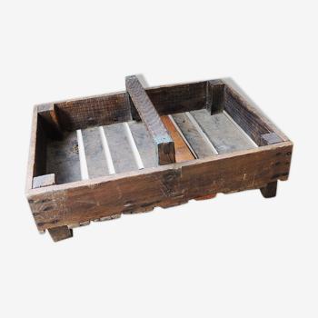 Cageot en bois avec poignée