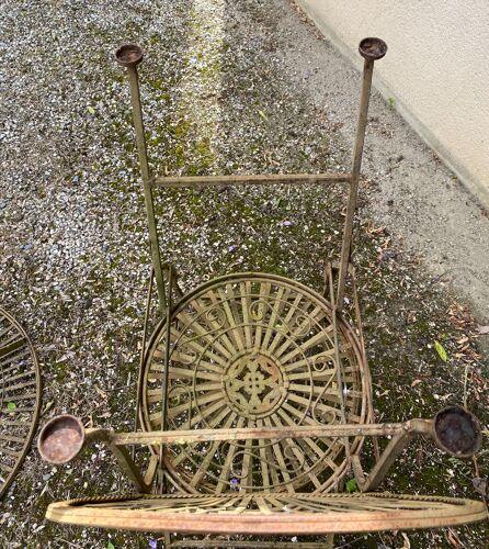Guéridon de jardin et ses deux chaises