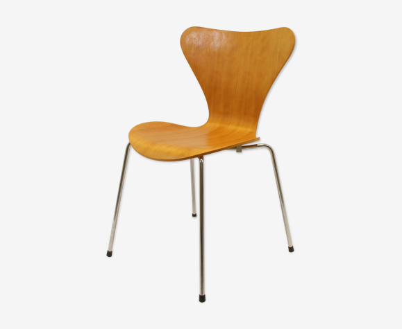 Chaise modèle 3107 Butterfly d 'Arne Jacobsen de Fritz Hansen