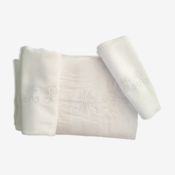 Tablecloth and napkins old monograms M R