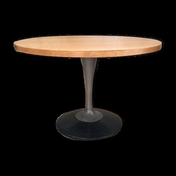 Selency Table de salle à manger ronde pied tulipe métal 1970