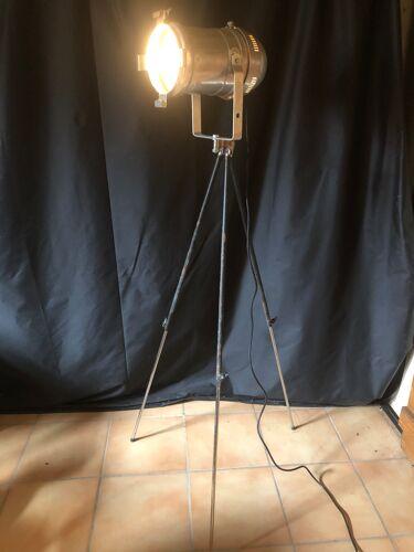 Projecteur de théâtre