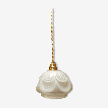 Baladeuse en opaline blanche bullé