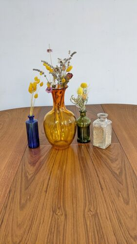 Vase en verre artisanal