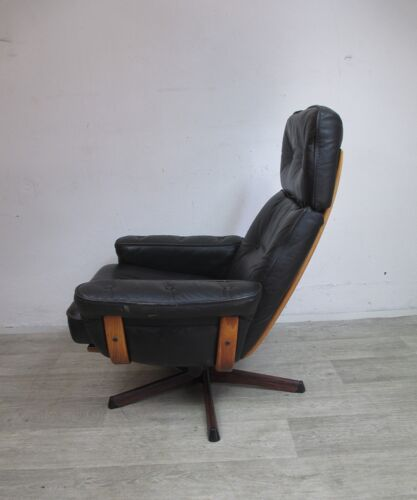 Paire de fauteuils et repose-pieds, Göte Möbel, Suède, années 1960