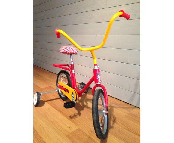 Tricycle vintage pour enfant