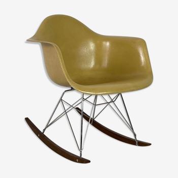 Rocking-chair RAR de Charles & Ray Eames édition Herman Miller