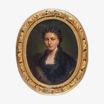 Oval view portrait
