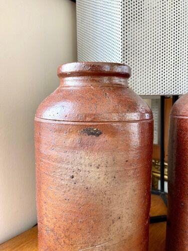 2 pyrity sandstone pots