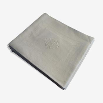 Lot 5 serviettes de table brodées en coton damassé monogramme L.P 72 cm sur 63 cm