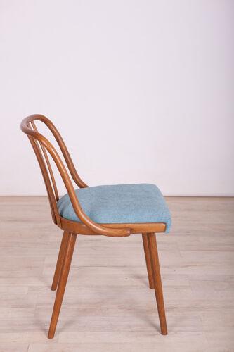 Chaises par Antonin Suman pour Ton années 1960